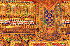 Teste padrão tailandês tradicional da pintura do ouro da arte do estilo Fotos de Stock Royalty Free