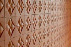 Teste padrão telhado para a parede de tijolo vermelho replicate contínua foto de stock