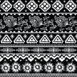 Teste padrão tribal abstrato Imagem de Stock