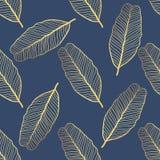 Teste padrão tropical sem emenda Folhas tropicais do ouro, folhas da selva Fotografia de Stock Royalty Free