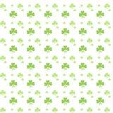 Teste padrão verde sem emenda do trevo Foto de Stock