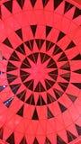Teste padrão vermelho do teto Foto de Stock