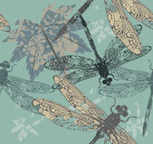 Teste padrão sem emenda bonito com folha de bordo e libélulas Imagens de Stock Royalty Free