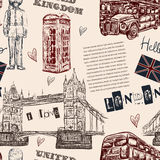 Teste padrão sem emenda com símbolos do marco de Londres Ilustração tirada mão do vetor do vintage Imagem de Stock Royalty Free