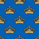 Teste padrão sem emenda das coroas reais douradas Foto de Stock