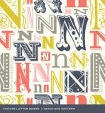 Teste padrão sem emenda do vintage da letra N em cores retros Fotos de Stock Royalty Free