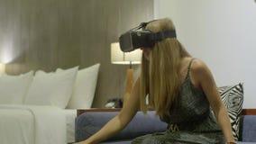 Testende nieuwe technologie?n stock footage