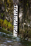 Tester del livello d'acqua del tubo del basamento Fotografia Stock
