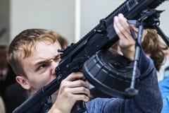 testes de armas modernas e de armamentos fotografia de stock royalty free
