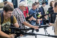 testes de armas modernas e de armamentos imagem de stock royalty free