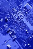 Testes padrões azuis do macro da placa de circuito Fotos de Stock Royalty Free