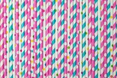 Testes padrões coloridos da palha bebendo Fotos de Stock
