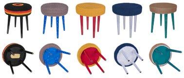 Testes padrões coloridos de madeira do tamborete feito a mão Assentos multicoloridos de Fotos de Stock Royalty Free
