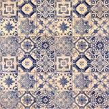 Testes padrões decorativos velhos do fundo da telha do arenito no parque Imagens de Stock