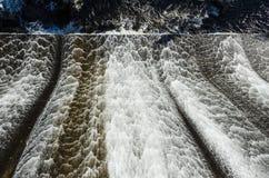 Testes padrões do volume de água na represa de Ripogenus Fotos de Stock Royalty Free