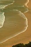 Testes padrões e surfista da ressaca no louro de Byron Fotos de Stock