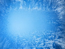 Testes padrões gelados em uma borda de uma janela congelada Foto de Stock Royalty Free