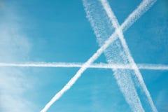 Testes padrões no céu sob a forma das formas e das letras geométricas Fotos de Stock Royalty Free