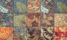Testes padrões velhos dos azulejos da parede do público de Tailândia Foto de Stock Royalty Free
