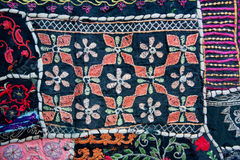 Testes padrões na cobertura de matéria têxtil com formas geométricas Fotografia de Stock Royalty Free