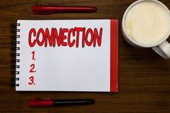 Testo della scrittura che scrive collegamento Concetto che significa la rete causale di sequenza di relazione logica di associazi fotografia stock libera da diritti