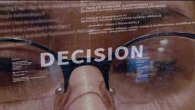Testo di decisione su fondo di sviluppatore video d archivio
