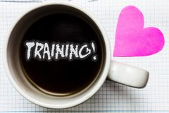 Testo di scrittura di parola che prepara chiamata motivazionale Il concetto di affari affinchè l'attività organizzata sviluppi l' fotografia stock