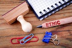 Testo etico sulla matita fotografia stock