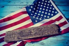 Testo non dimentichiamo voi e la bandiera degli Stati Uniti Fotografie Stock Libere da Diritti