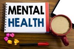 Testo scritto a mano che mostra la salute mentale Disordine scritto sulla carta per appunti del blocco note, il vecchio nero di m immagine stock libera da diritti