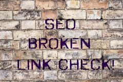 Testo Seo Broken Link Check della scrittura Errore di ottimizzazione del motore di ricerca di significato di concetto nei collega immagine stock libera da diritti