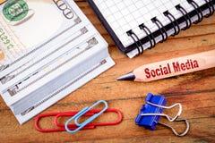 Testo sociale di media sulla matita fotografia stock