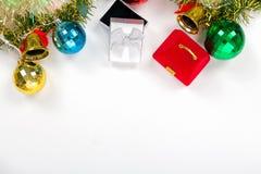 Testo stabilito del materiale di riempimento del regalo della carta del nuovo anno su fondo bianco Fotografia Stock Libera da Diritti