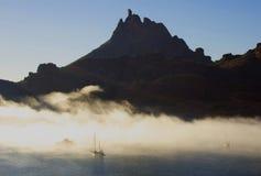Tetacawi (Tit de la cabra) en niebla Imagen de archivo