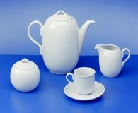 Tetera, cuenco de azúcar, taza, jarro de leche Imagen de archivo libre de regalías