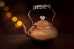 Tetera de cobre antigua Foto de archivo libre de regalías