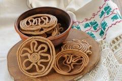Teterki, galletas rusas del centeno para el selebration del equinoccio de primavera Foto de archivo libre de regalías