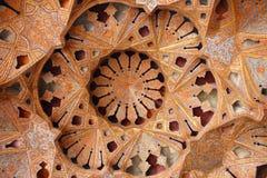 Teto arcado em Ali Qapu Palace, Isfahan, Irã imagens de stock