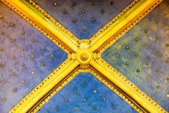 Teto com estrelas do ouro Fotografia de Stock Royalty Free