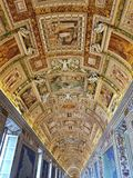 Teto da sala do mapa do museu do Vaticano fotografia de stock royalty free