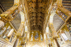 Teto do Capella Palatina Chapel dentro do dei Normanni de Palazzo em Palermo, Sicília, Itália imagens de stock