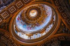 Teto dourado da basílica de St Peter foto de stock royalty free