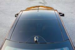 Teto-solar automobilístico do xxl do sedan luxuoso alemão, interiores ornamento vermelho/marrom, cromados de couro, carro individ Fotografia de Stock Royalty Free
