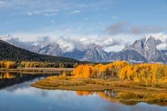 Teton在秋天的风景反射 图库摄影