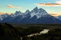 Teton magnífico y el río Snake Imagenes de archivo