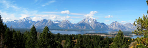 Teton range panorama (Wyoming, USA). The Teton Range is a mountain range of the Rocky Mountains (Wyoming, USA), just south of Yellowstone National Park Stock Photo