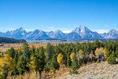 Tetonbergen op Duidelijk Autumn Day royalty-vrije stock foto