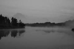 Tetons magnífico en la niebla de la mañana Imágenes de archivo libres de regalías
