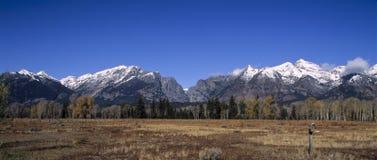 Tetons-Montanhas Cénico-Grandes em Wyoming na queda. Imagens de Stock Royalty Free