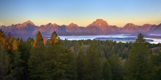Tetons no nascer do sol Foto de Stock Royalty Free